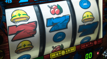 how to play slots - featured image